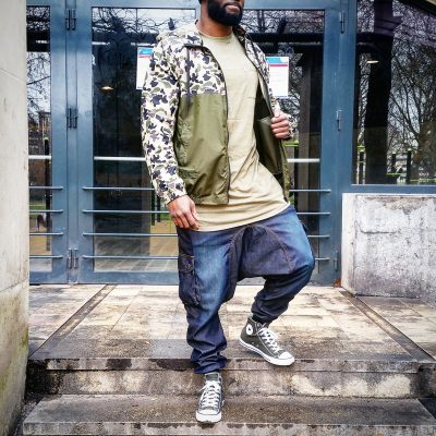 Outfit : saroual battle jeans dirty+tshirt oversize kaki+Converse kaki